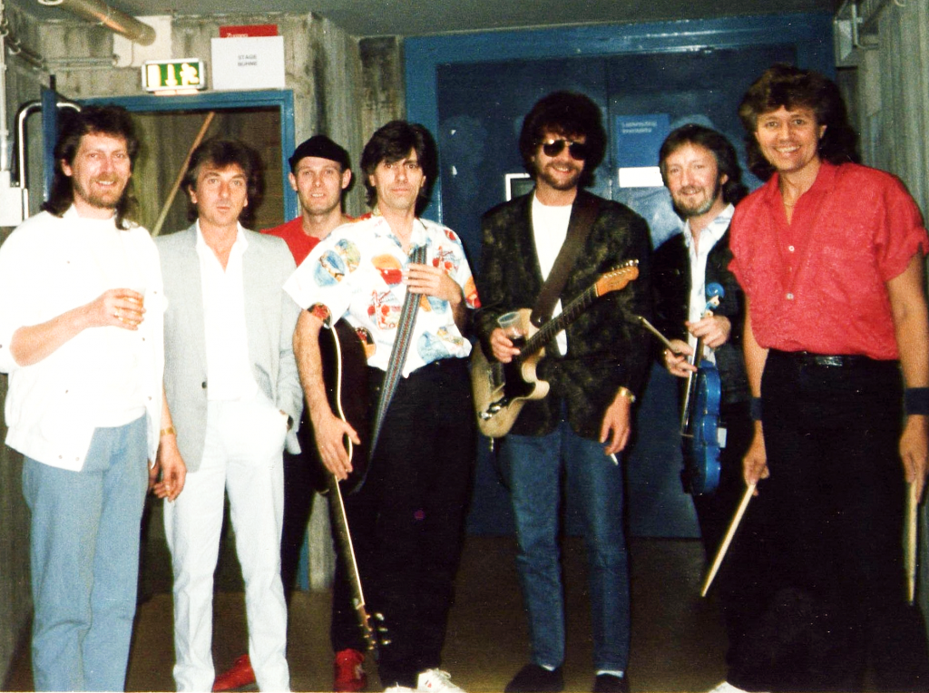 ELO 1986 - Back stage with ELO